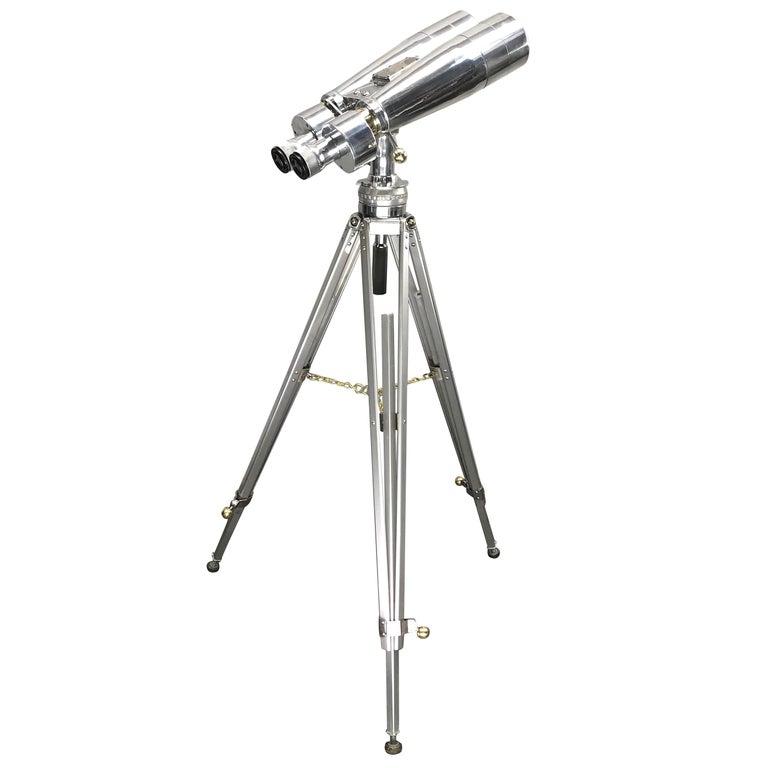 Binoculars tripods